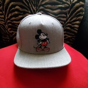Van's Mickey Mouse hat